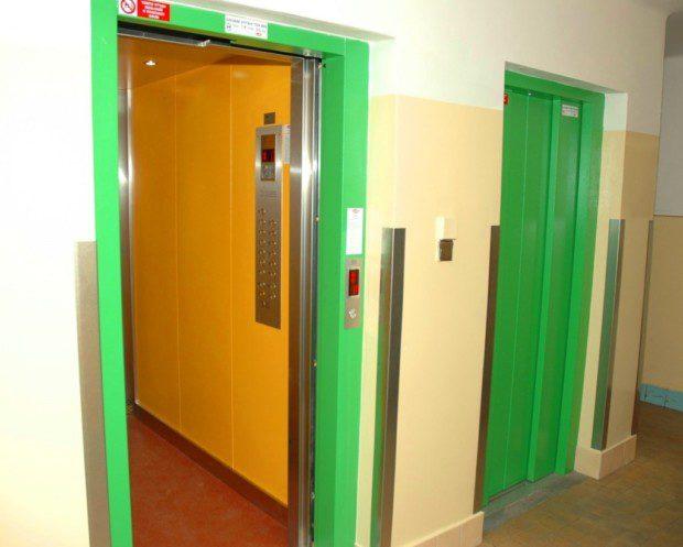 Duplex výtahy, panelový dům Trutnov