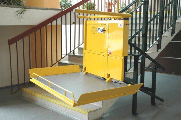 ikmá schodišťová plošina, ZŠ Ostrava