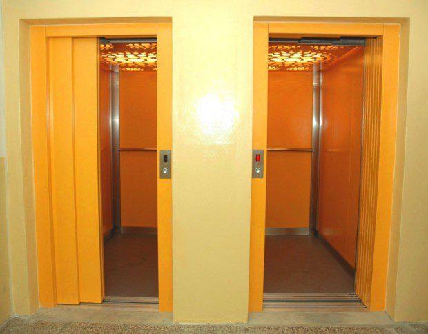 Dva výtah v panelovém domě, Praha