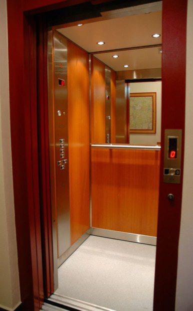 Osobní výtah, obklad dýhy, Marianum Jánské Lázně